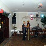 Para tańcząca podczas balu sylwestrowego