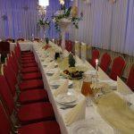 Udekorowany stół weselny wrestauracji Jedyna