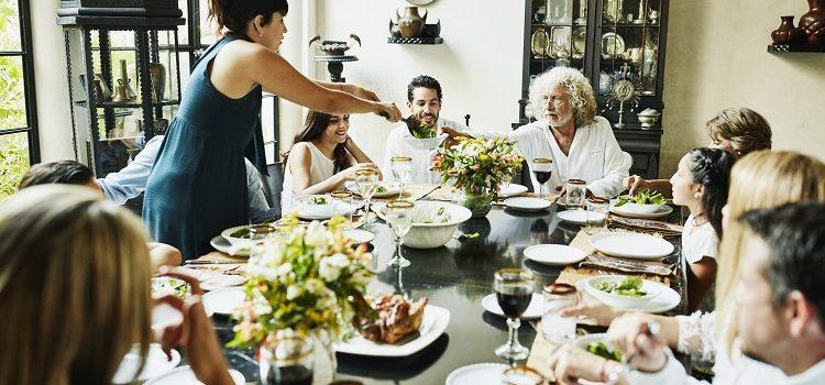 Ile możesz zaoszczędzić wybierając catering nadomówkę?
